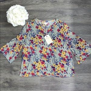 Tops - Floral blouse